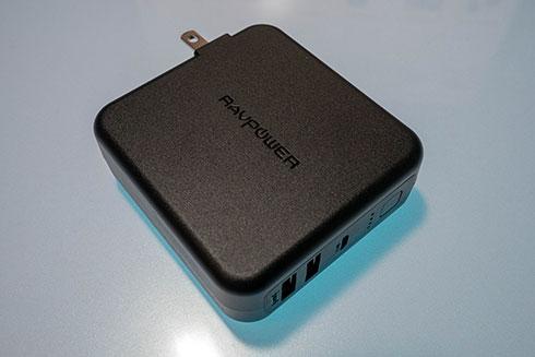 <RAVPower モバイルバッテリー 充電器>