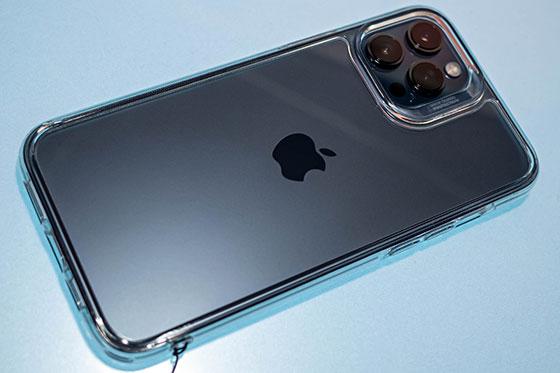 <ESR iPhone12Pro Max ケース>